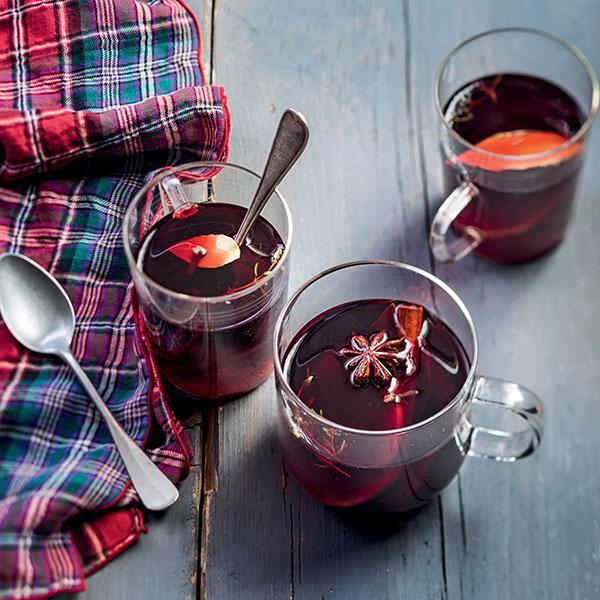 Vin chaud : une recette pour survivre à l'hiver