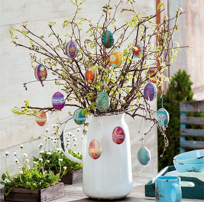 DIY Pâques : décorer des œufs à la cire