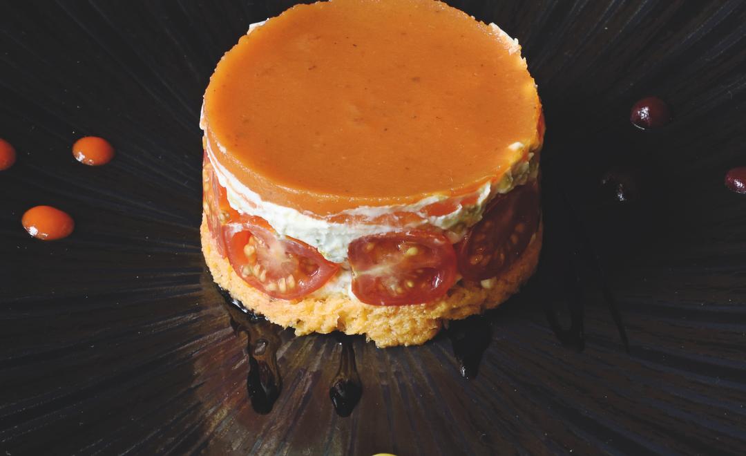 Chèvre frais-tomates façon fraisier : la recette du restaurant d'ici