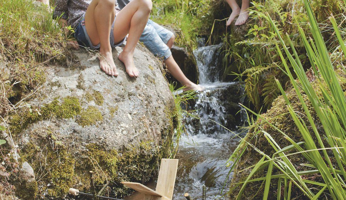 Fabriquer un moulin à eau avec les enfants